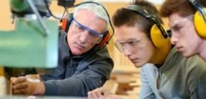 Apprenticeship Scholarships